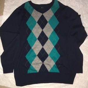 Navy Men's APT 9 light weighted sweater